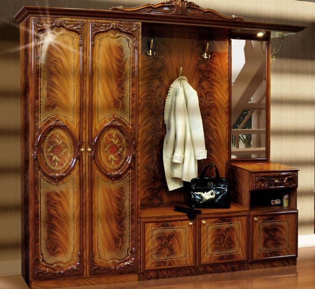 Лакировка деревянной мебели